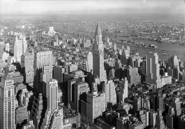TenStickers. New York Building Decorative Sticker. Decorate your home with this great wall decal with the view of the city of New York from the top in black and white.