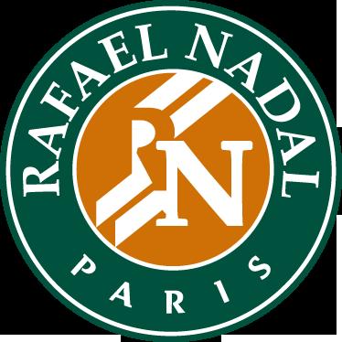 TenStickers. Sticker decorativo Rafael Nadal Roland Garros. Sticker decorativo inspirado na mundialmente famosa competição de ténis Roland Garros, adaptado ao nome do incrível tenista Rafael Nadal.