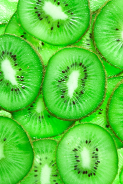 TenStickers. Green Kiwi Photography Wall Sticker. Wall Stickers - Photographic image of chopped kiwis. Vibrant decal that can be applied vertically or horizontally. Ideal for adding a touch of colour.