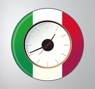 TenStickers. Sticker muurklok Italië. Voor de Italianen onder ons hebben wij deze leuke muurklok sticker met de vlag van Italië. Laat uw liefde voor het land blijken met dit ontwerp.