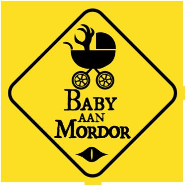 TenStickers. Sticker Auto Baby aan mordor. Waarschuw de bestuurders rondom u op een leuke wijze dat er zich een baby in uw auto bevindt, met deze leukedecoratie sticker dat verwijst naar de verhalen van Lord of the Rings.