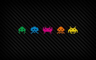 TenStickers. Laptopsticker Figuren Space Invadors. Verfraai uw laptop of Macbook met deze Space Invadors laptop sticker in 5 verschillende kleuren! Ook voor ramen en auto's.