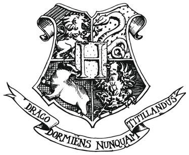 TenStickers. Logo Hogwarts Aufkleber. Dekorativer Film Sticker - Motiv aus den Filmen um Harry Potter von JK Rowling. Hogwarts Emblem. Dekorationsidee.