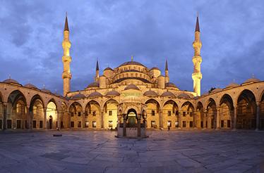 TenStickers. Modri mores foto freske. Foto freska nalepke emblematičnega spomenika v purani; modra mošeja, da vnesete nekaj kulture in sloga v stene vašega doma.