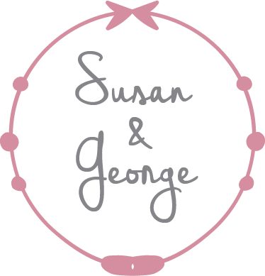 TenStickers. Customisable Name Wedding Sticker. Featuring a circular pink bowed design, this vinyl design ideal for weddings, engagement parties, rehearsal dinners and anniversary dinners