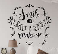 Sticker mural phrase smile is the best make up - TenStickers