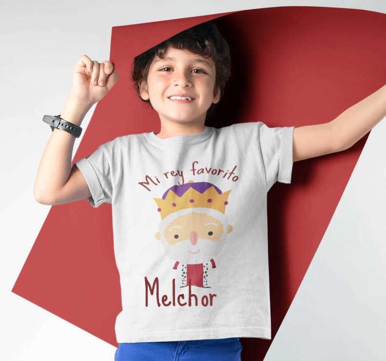 TenVinilo. Camiseta de Navidad Rey Melchor. Camiseta navideña del rey melchor o también conocido como el rey rubio. Un producto de primera calidad, fácil de planchar y lavar