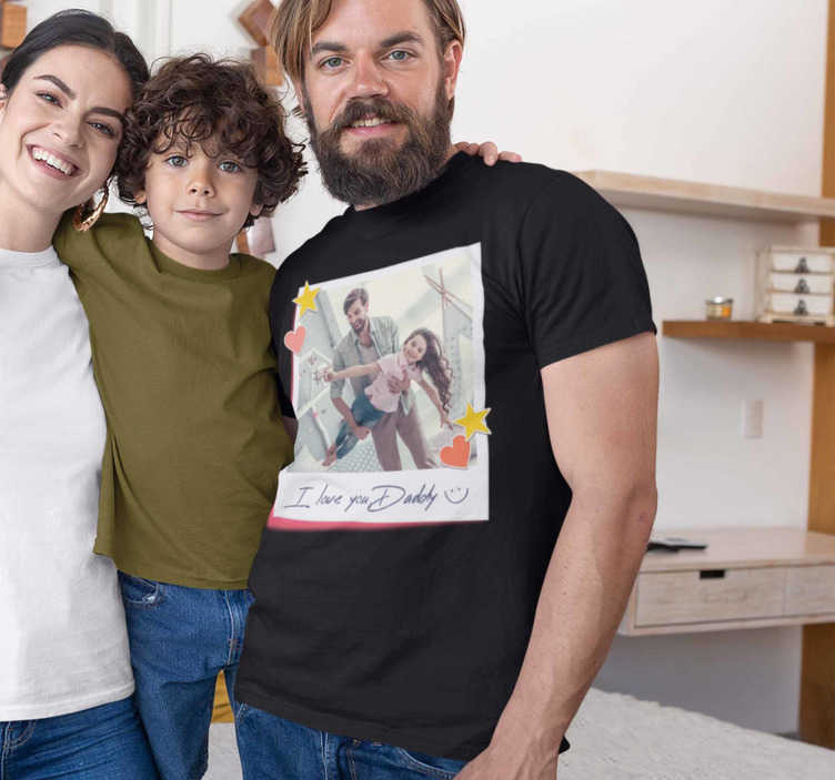 TenStickers. Ich liebe dich papa vatertag t-shirt. Ein tolles t-shirt für den vatertag, das sie mit ihrem foto auf besondere weise für besondere daten personalisieren können. Es ist leicht zu bügeln und zu waschen.