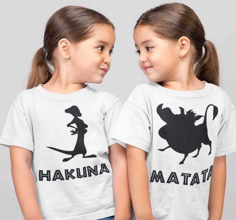 TenStickers. Hakuna matata Kids t-shirt. Funny Hakuna Matata T-shirt for boys and girls. This way they will dress the same and go to the street together in an original and exclusive way.