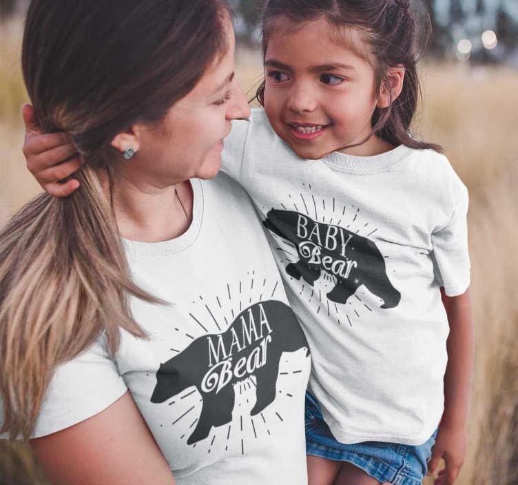 TenVinilo. Camiseta mama e hija Mama Bear Baby Bear. Camiseta Mamá oso e Hij@ Oso para vestir iguales, compartir outfit y mostrar a todo el mundo que os gusta vestir a conjunto de una forma original.