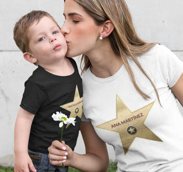 TenStickers. Hollywood Star parents and kids t-shirt. If you feel like a star and know that your children are stars too, don't hesitate to wear these gorgeous parents and kids matching t-shirt.