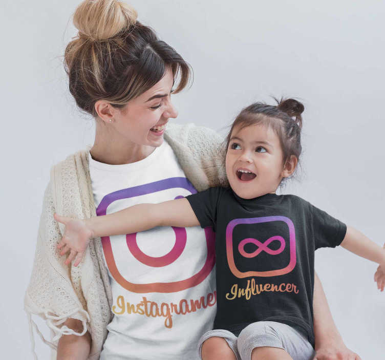 TenStickers. Instagramer Influencer Mother and kids t-shirt. Set of matching T-shirts for mothers and children who are social network enthusiasts and specifically Instagram enthusiasts.