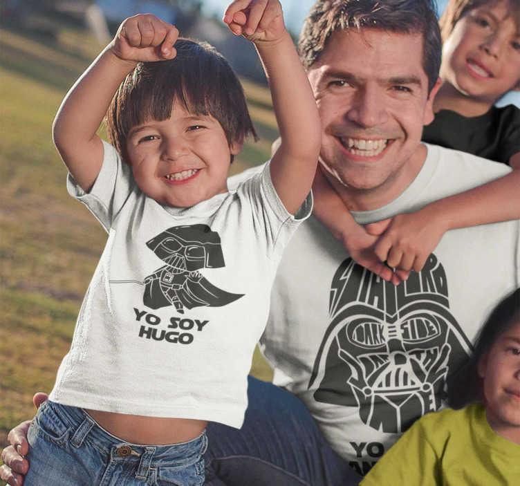 TenVinilo. Camisetas para padres e hijos yo soy tu padre. Estupendo kit de camisetas para los entusiastas de star wars Ahora padres e hijos podréis vestir igual con este bonito diseño de darth vader