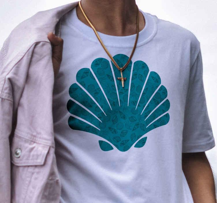 TenStickers. Muschel Shirt Muscheltiere. Ein wundervolles originales T-Shirt in muschelform mit anderen muscheln als Hintergrund. Jeder wird erstaunt sein, wenn er es nur ansieht.