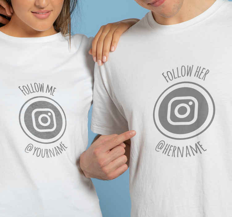 """TenVinilo. Camisetas parejas sígueme síguela con nombre. Conjunto de camisetas para parejas que incluye dos diseños  dicen """"sígueme"""" y la otra que dice """"síguela"""" para tu pareja influencer ¡Envío exprés!"""