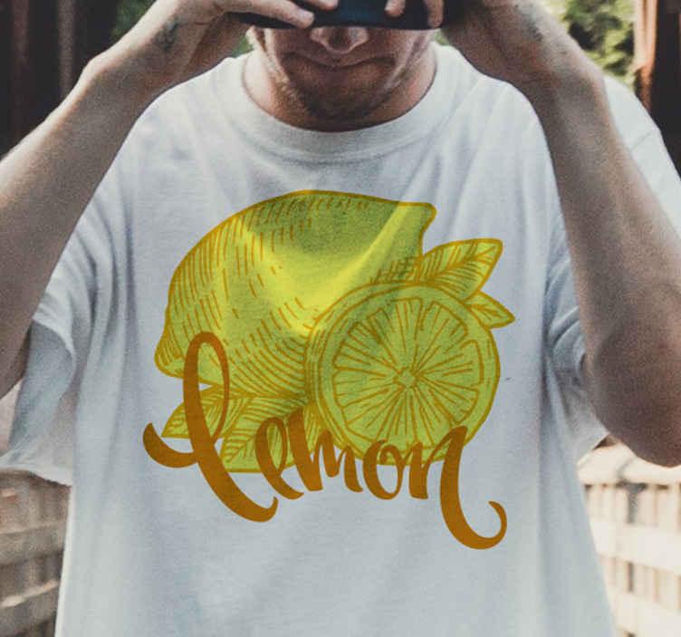 TenStickers. T-shirt citrusvrucht Sinaasappel en citroen schets. Op maat gemaakt citroenshirt voor heren, ook verkrijgbaar voor dames. t-shirt met schattig sinaasappel- en citroenmotief. Bestel hem nu!