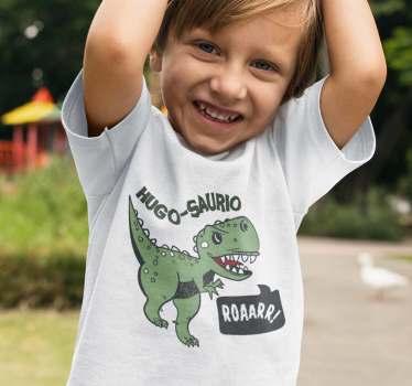 Camiseta de dinosaurios infantil que podrás adaptar con su nombre de una forma original, ya que este terminará siempre con la palabra saurio.