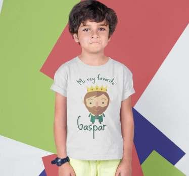 Camiseta navideña del rey gaspar para vestir a los niños y niñas en estas fechas tan especiales, estas fechas que están nerviosos.