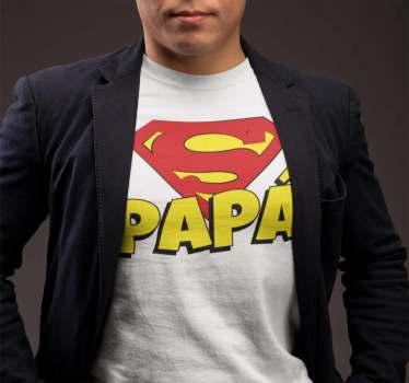 Camiseta Super Papà para regalar y mostrar el cariño de los niños a los padres. Un original diseño y exclusivo para ampliar el Outfit de un padre molón!