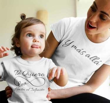 """Conjunto de camisetas con el mensaje """"Te quiero hasta el infinito y más allá"""" dividido en dos partes. Un diseño original y exclusivo solo en Tenvinilo"""