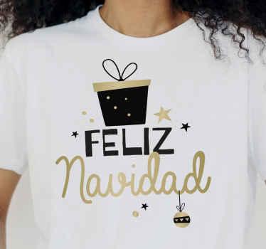 """Elegante diseño de camiseta navideña con patrón de caja de regalo, estrellas y la frase """"feliz navidad"""". Elige talla ¡Envío a domicilio!"""