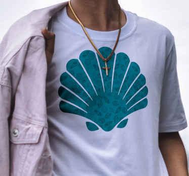 Una maravillosa camiseta original con forma de concha marina con otras conchas como fondo. Todos se sorprenderán con solo mirarlo.