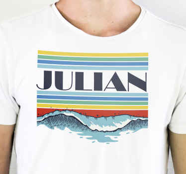 Des rayures horizontales colorées personnalisées et un t-shirt vague fait spécialement pour vous avec votre nom dessus et n'importe quelle taille que vous voulez.