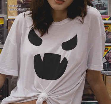 Esta t-shirt de abóbora personalizada para adultos será perfeita para o halloween. Perfect para fazer uma foto de família com a mesma roupa.