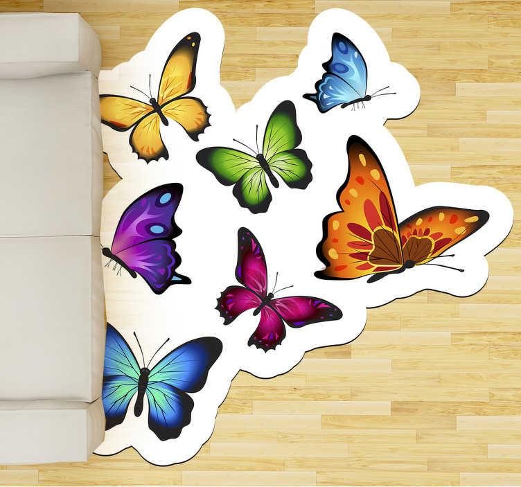 TenStickers. Zboară fluture animal covor vinil. Covor incredibil de vinil cu fluturi zburători pentru a vă plasa în camera casei dvs. și a vă bucura de un design exclusiv și original!