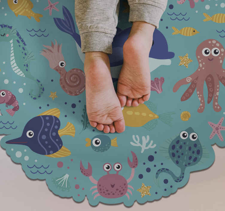 TenStickers. Round fish animal vinyl carpet. Children's vinyl carpet with fishes to decorate your children's room in an original and exclusive way! Zero residue upon removal.
