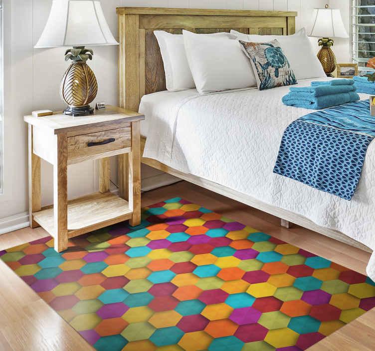 TenStickers. 多彩的六角形几何乙烯基地毯. 漂亮的几何彩色乙烯基地毯,可让您以原始设计为您的房子增添生命!极其持久的材料。