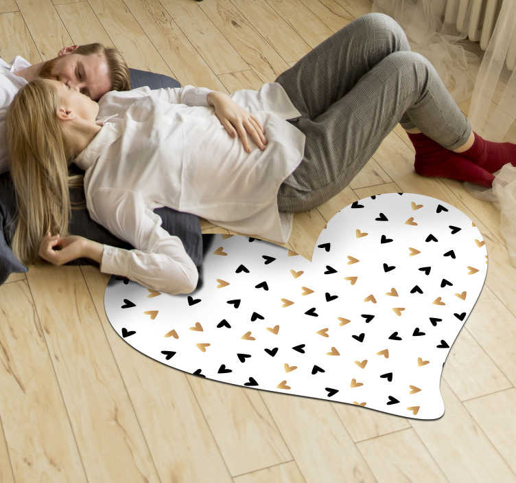 TenStickers. golden and black hearts minimal vinyl carpet. This fantastic golden and black heart minimal vinyl  is the best solution for decorating your house with a unique and amazing style!