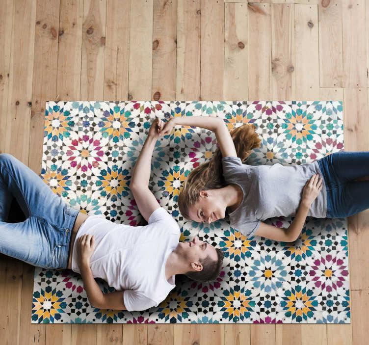 TenStickers. Blumen Mosaik Vinylteppich. Fantastisches Vinyl Teppichdesign mit Blumenmosaik aus zusammengesetzten Stücken in kreisförmiger Blumenform. Dieses einzigartige Design von Formen auf einem Teppich ist von hoher Qualität.