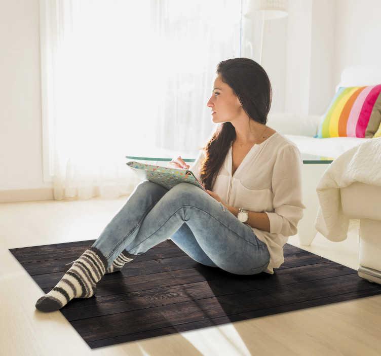 TenStickers. Donker hout vinyl tapijt. Ontdek dit prachtige donker houten vinyltapijt! De schoonheid die het je huis kan bieden, is echt ongelooflijk! Meld je aan voor 10% korting.