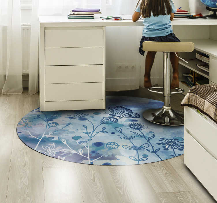 TenStickers. Tappeto rotondo in vinile camera da letto farfalle blu. Questo meraviglioso tappeto da camera da letto rotondo in vinile con farfalle blu è ciò di cui hai bisogno per portare a casa tua un fantastico elemento visivo!