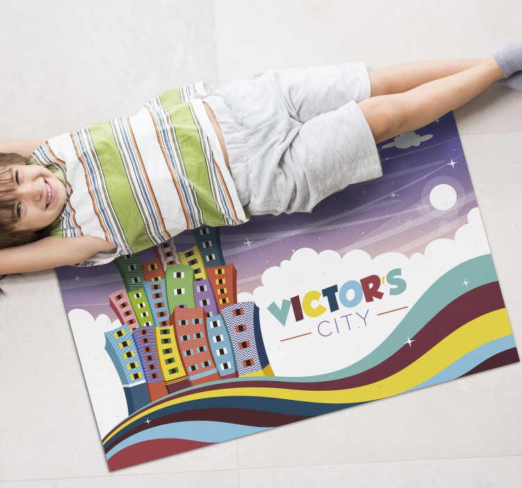 TenStickers. 甜蜜的城市个性化乙烯基地毯. 有了这个宏伟的甜美城市乙烯基地毯,您将能够为您的孩子们提供真正美丽的东西!提供折扣!