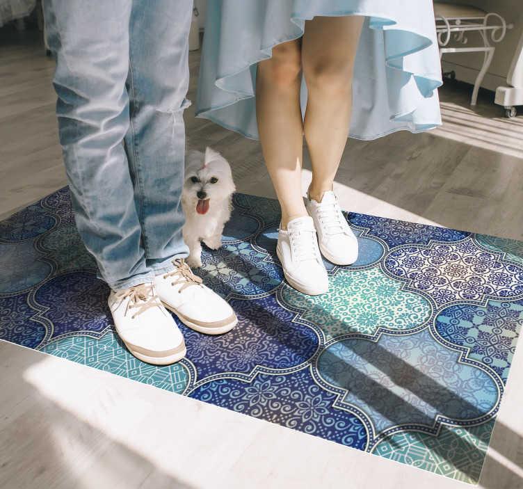 TenVinilo. Alfombra de vinilo cuadrados de mandala. ¿Te gustan las decoraciones de estilo oriental? Entonces esta alfombra étnica de vinilo con un patrón de adornos árabes es para ti ¡Envío gratis!