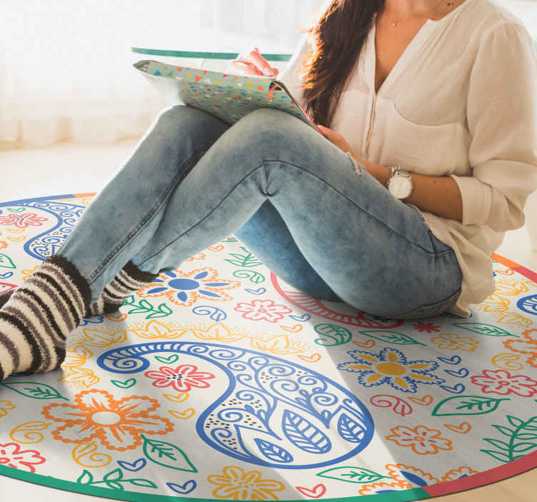 TenStickers. Colorful Paisley bedroom vinyl rug. An original circular vinyl rug with multi colourd ornamental design. It is easy to maintain and anti slippery. Available in different sizes.