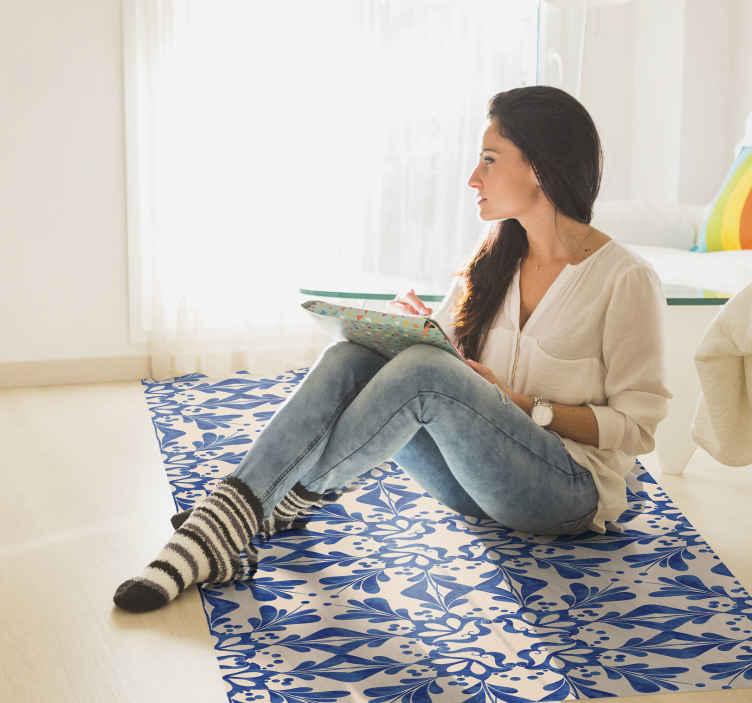 TenStickers. Mozaïek vinyl vloerkleed Blauw beige decoratief mozaïek vinyl tap. Originele blauwe vinyl tapijt tegels die perfect passen bij uw slaapkamer! Gemakkelijk op te bergen en schoon te maken, gemaakt van hoogwaardig vinyl. Bekijken!