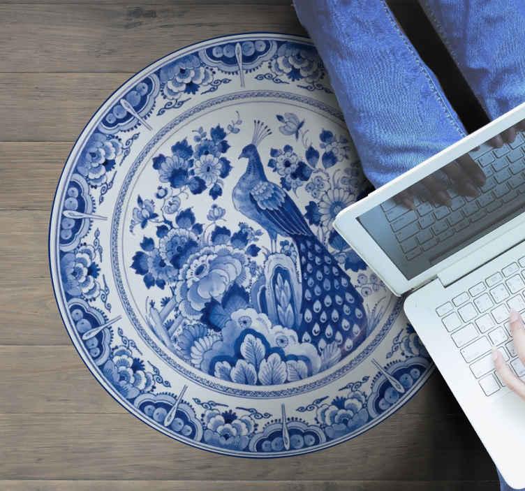 TenStickers. Tapete de telha pavão delftware. Um tapete delftware em vinil pavão para dar à sua casa o toque holandês perfeito com este produto de elevada qualidade e resistência à porta da sua casa.