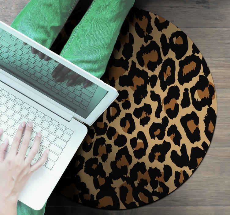 TenStickers. Round animal print  animal print carpet. An animal print vinyl rug with a round shape for all those animal print lover. The product is made of high quality material.