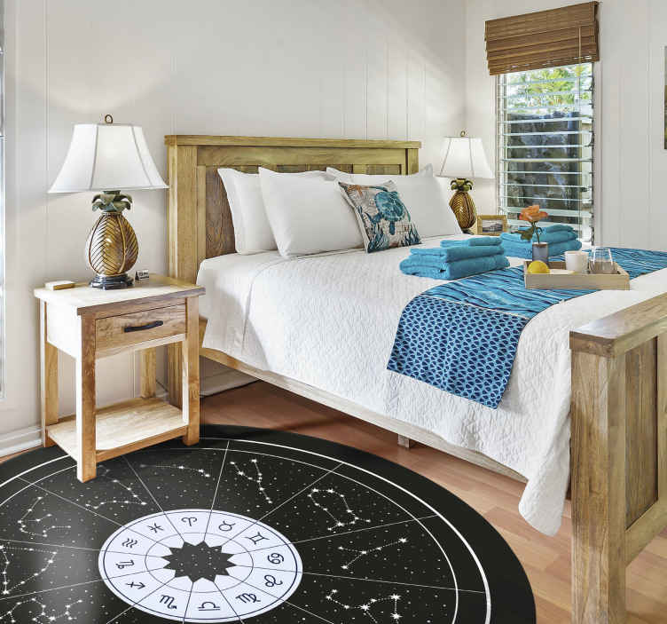 TenVinilo. Alfombra vinilo redonda del Zodíaco. Una original alfombra vinilo redonda con los signos del zodíaco y sus constelaciones sobre fondo negro. Alta calidad ¡Decora a tu gusto!