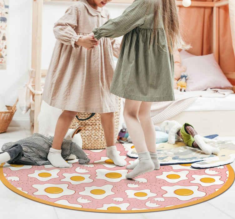 TenStickers. Vinylteppich modern Spiegeleier. Dieser küchen-vinylboden verfügt über viele eier mit der sonnenseite nach oben in verschiedenen formen und größen. Wähle deine Größe. Mass angefertigt.