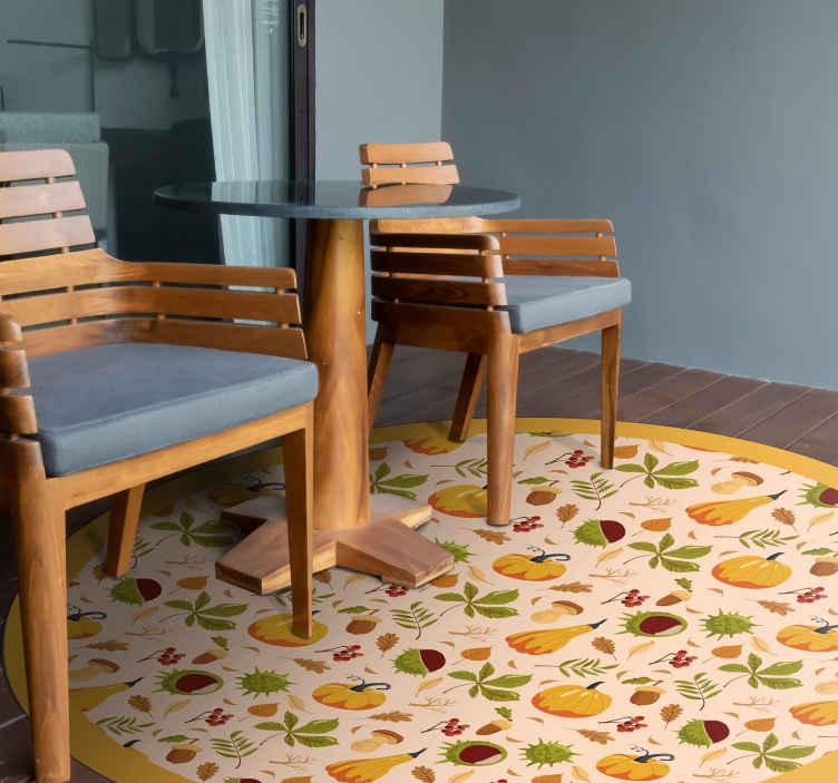 TenStickers. tapis vinyl bois pour cuisine ambiance d'automne. Magnifique revêtement de sol en sticker de salon avec diverses icônes automnales. Il est antidérapant, lavable et très durable.
