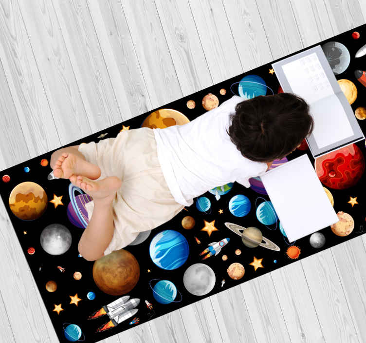 TenVinilo. Alfombra vinílica infantil Planetas espaciales. Impresionante alfombra vinilo infantil de planetas espaciales. Nuestros productos son extremadamente duraderos. Elige tu talla. Entregas a domicilio.