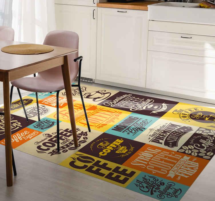 TenStickers. Pardoseala de bucatarie design cafea. Covorul de vinil cu modele retro este o soluție excelentă pentru bucătăria ta. Ușor de curățat și depozitat. Din material de înaltă calitate.