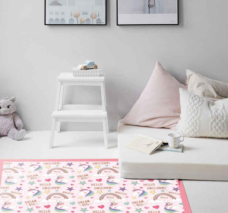 TenVinilo. Alfombra vinilo animal hola unicornio. Dale a la habitación de tus hijos un toque único con este unicornio rosa en alfombra vinilo infantil con arcoíris con citas ¡Producto de forma rectangular!