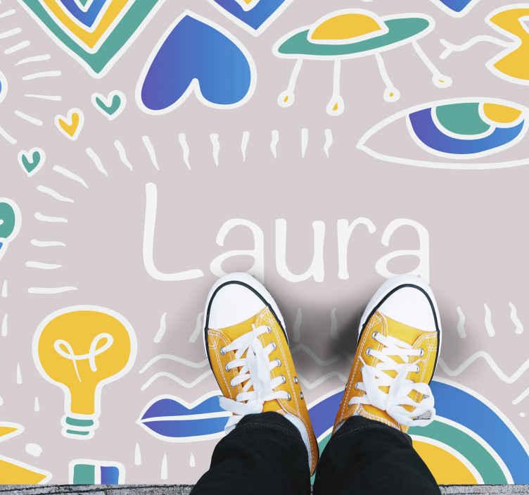 TENSTICKERS. パーソナライズされたビニールラグという名前の落書きアート. このユニークなカスタマイズ可能な落書きビニールラグであなたの子供部屋を落書きし、彼らに彼らのすべてのニーズを与えて彼らをアーティストにしましょう!今日注文してください!