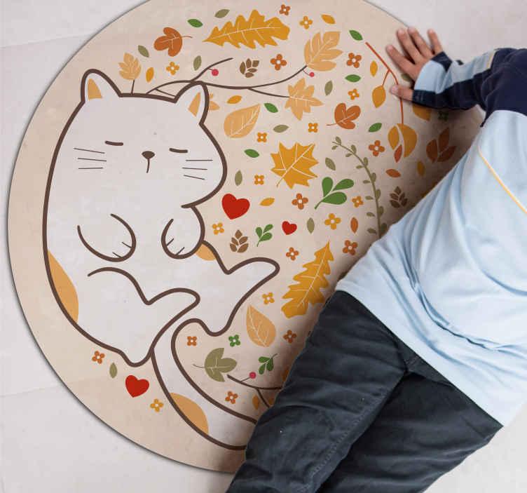 TenVinilo. Alfombra vinilo flores y gato durmiendo. Una alfombra vinilo flores de hojas otoñales y gato dormido en forma redonda ¡Elija el tamaño que prefiera! ¡Envío exprés!