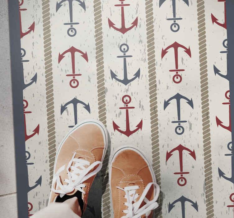 TenVinilo. Alfombra vinilo vintage temática náutica. Original alfombra vinilo infantil con anclas en rojo y azul sobre un fondo claro para darle al cuarto de tu hijo un toque original ¡Envío exprés!